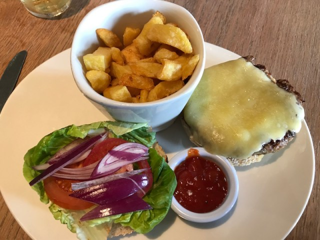 Burger at the Cornish Arms, St Merryn