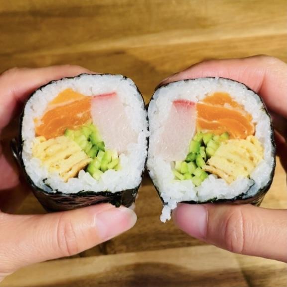 Homemade Sushi Rolls - EATwithOHASHI.com