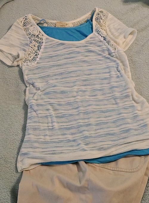 tan shirt w blue