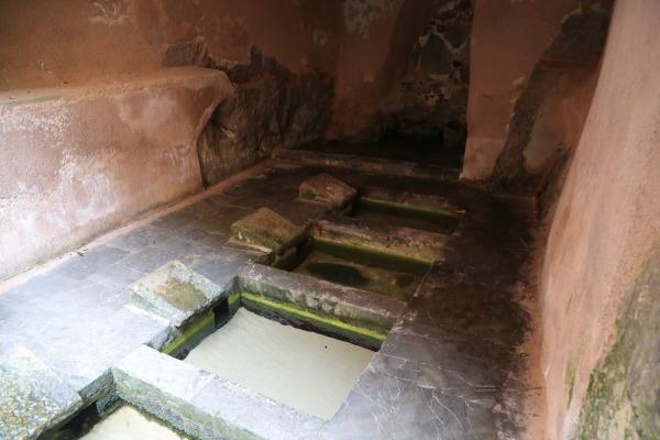 Cefalu bath houses