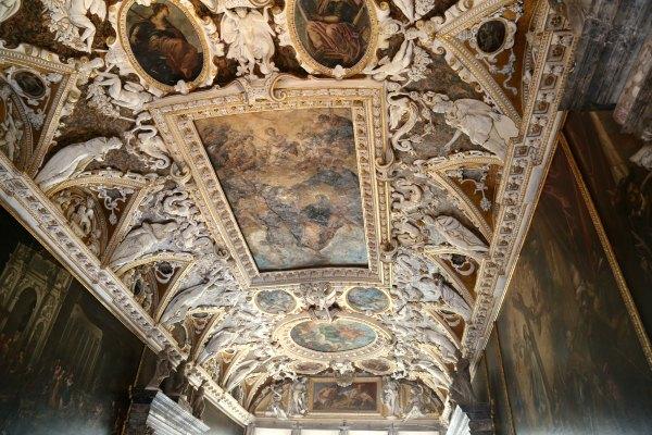 Doge ceiling 3