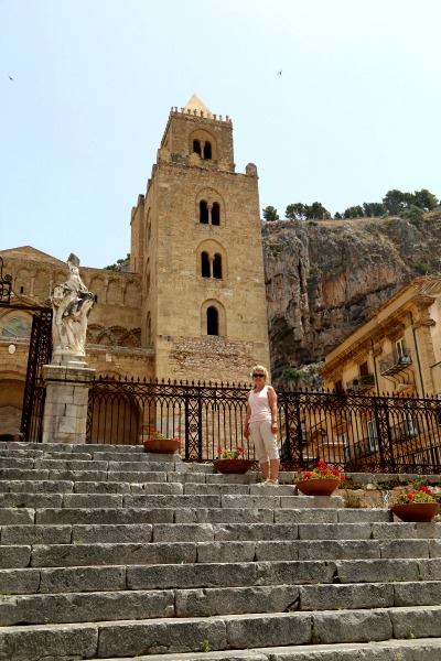 Sicily steps to Cathedral
