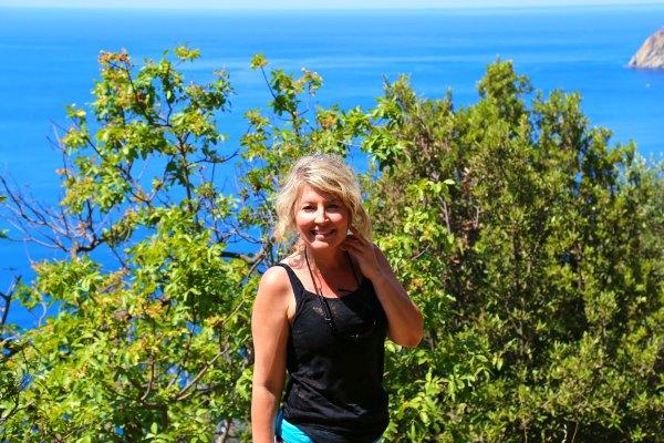 Cinque Terre hike to monterosso