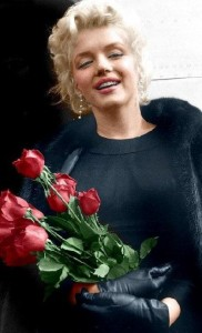 Marilyn Monroe with roses