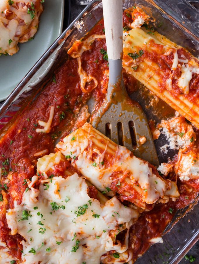 Chicken and Cheese Manicotti is a quick and easy pasta bake. Great for dinner
