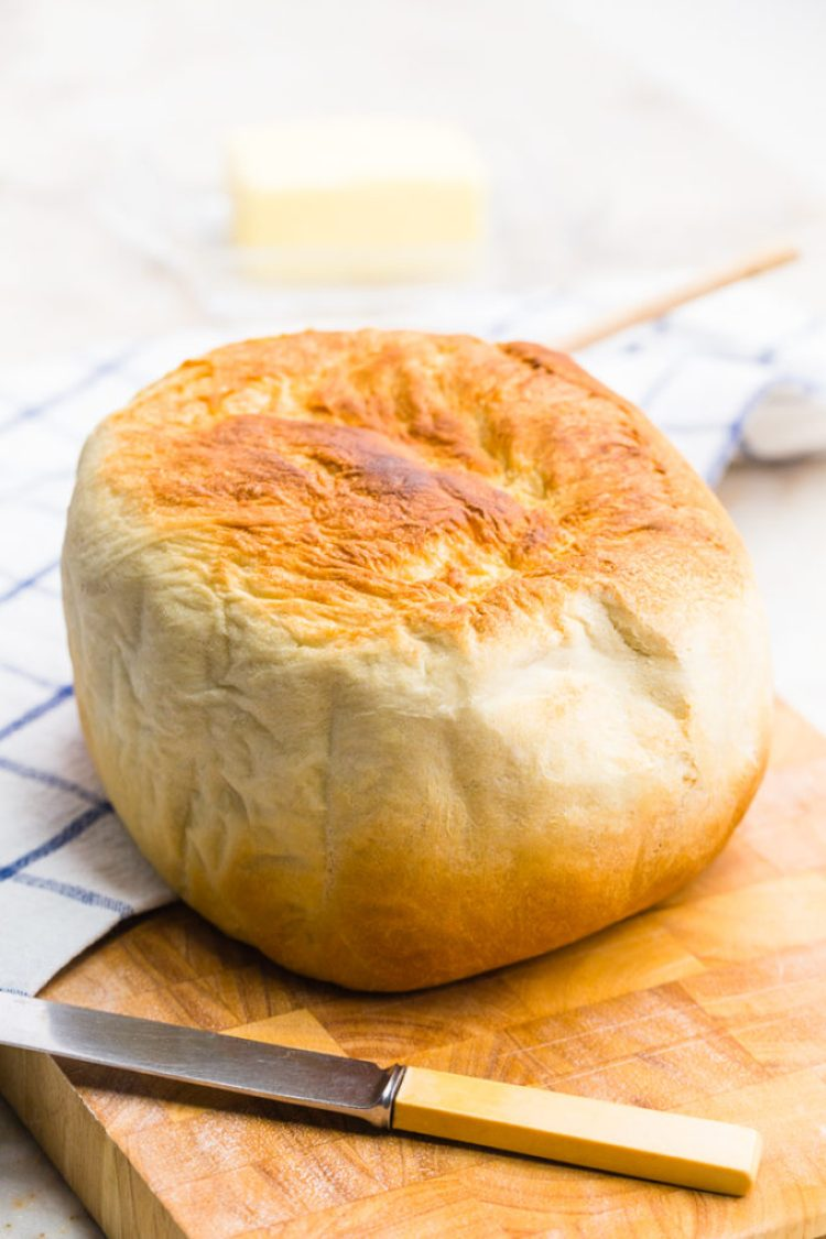 Brown the top of your slow cooker bread: 7 Minutes of prep time is all that is required for this artisan crock pot bread