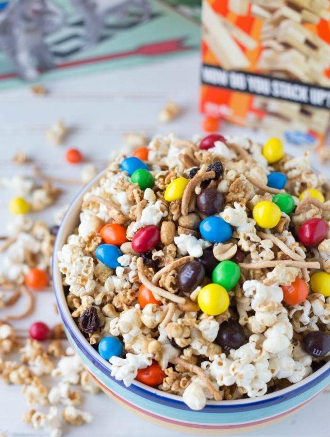 Crunchy Caramel Popcorn for Game Night