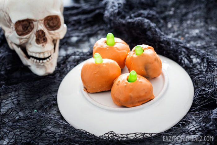 Pumpkin OREO truffles are great for Halloween snacking.
