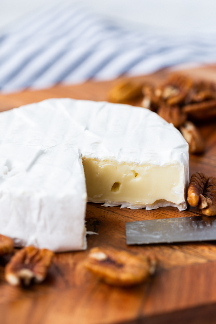 Brie and nuts make a great low carb snack for keto diets