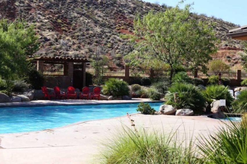 pool at Coral Springs resort