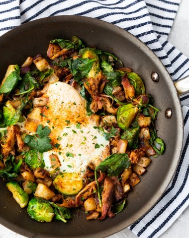 A skillet full of pulled pork breakfast hash