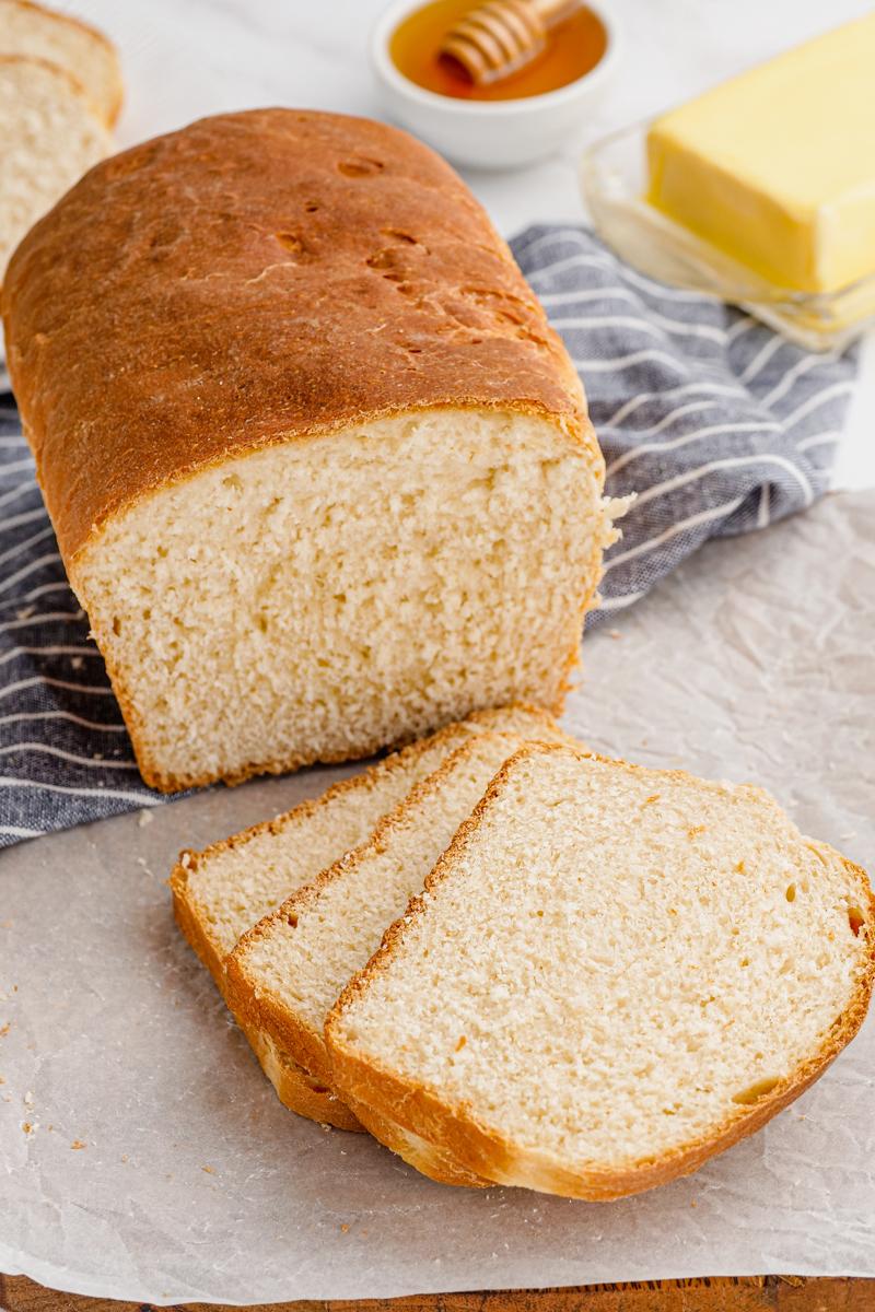 Sandwich bread, white bread loaf.
