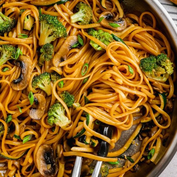 Hibachi noodles