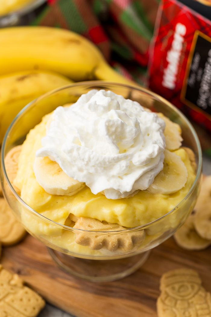 whipped topping on top of banana pudding
