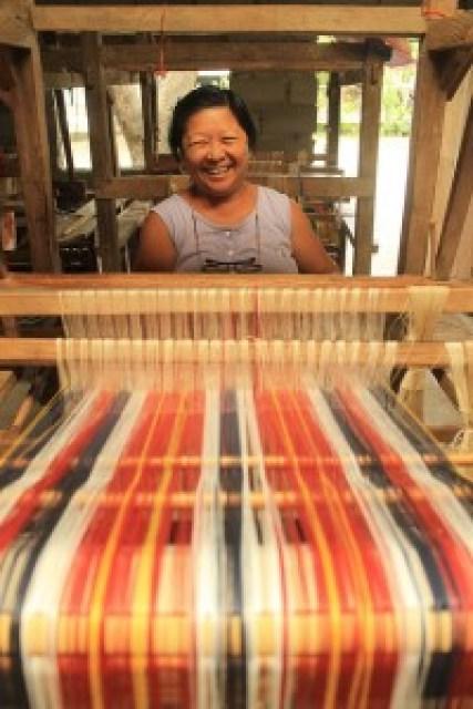 Leila's Loomweaving