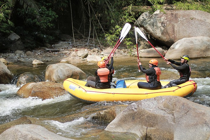 whitewater rafting at kampar river