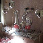סידור בלונים ליום הולדת 16