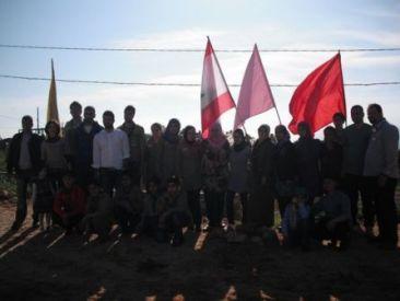 لقطة جامعة للمشاركين في حملة التشجير