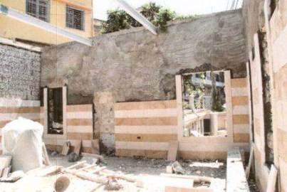 مسجد العين أثناء تجديده من الداخل عام 2008