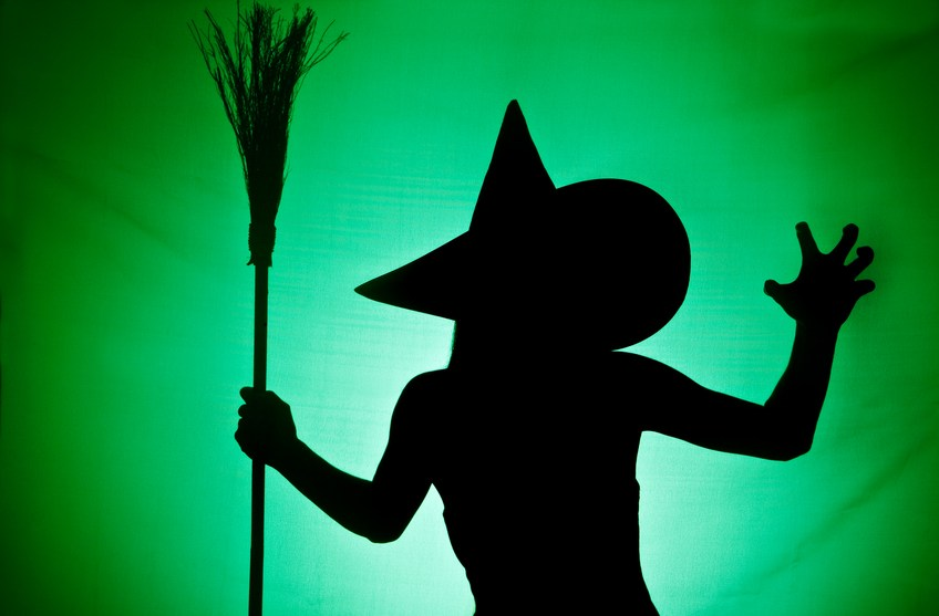 DIY Crashing Witch from Hoosier Homemade