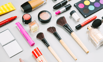 How to Master Makeup Storage and Organization in 5 Easy Steps