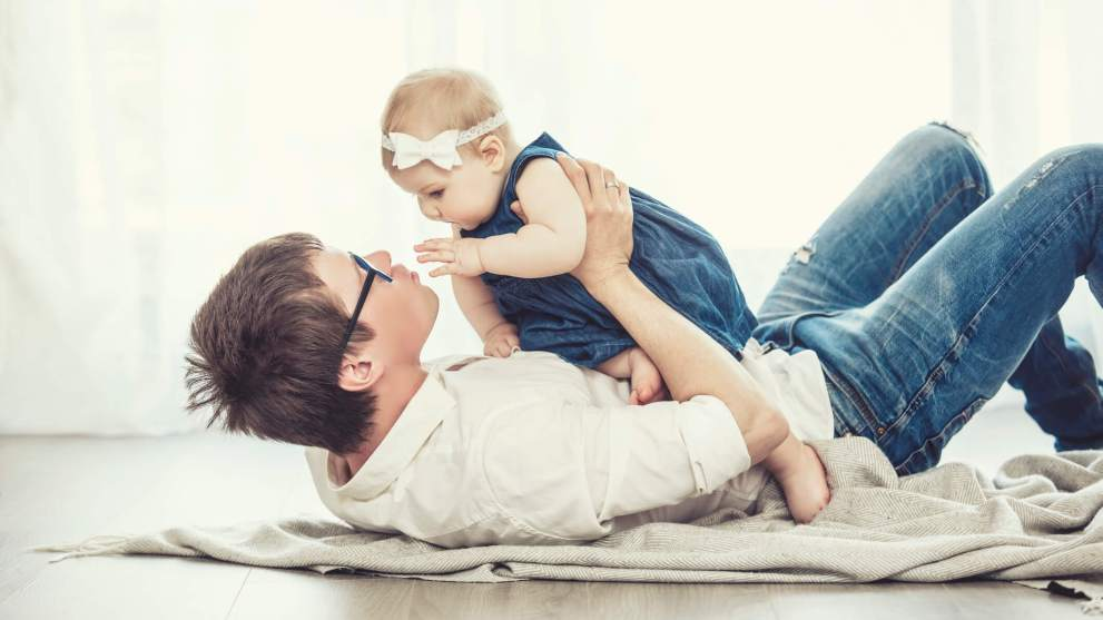 5 Gifts New Dads Would Never Buy for Themselves But Totally Need