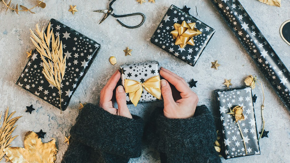 5 Well-Received Gifts to Have on Hand for the Holidays