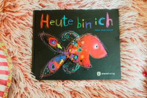 Dieses Buch zeigt den Kindern verschiedene Gefühle
