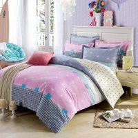 Light Pink And White Exclusive Cotton Bedding Set ...