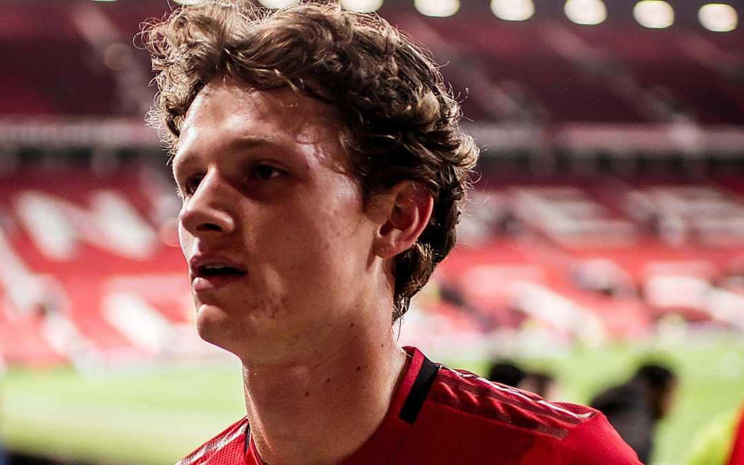 Manchester United authenticate new deal for the 20-year-old defender