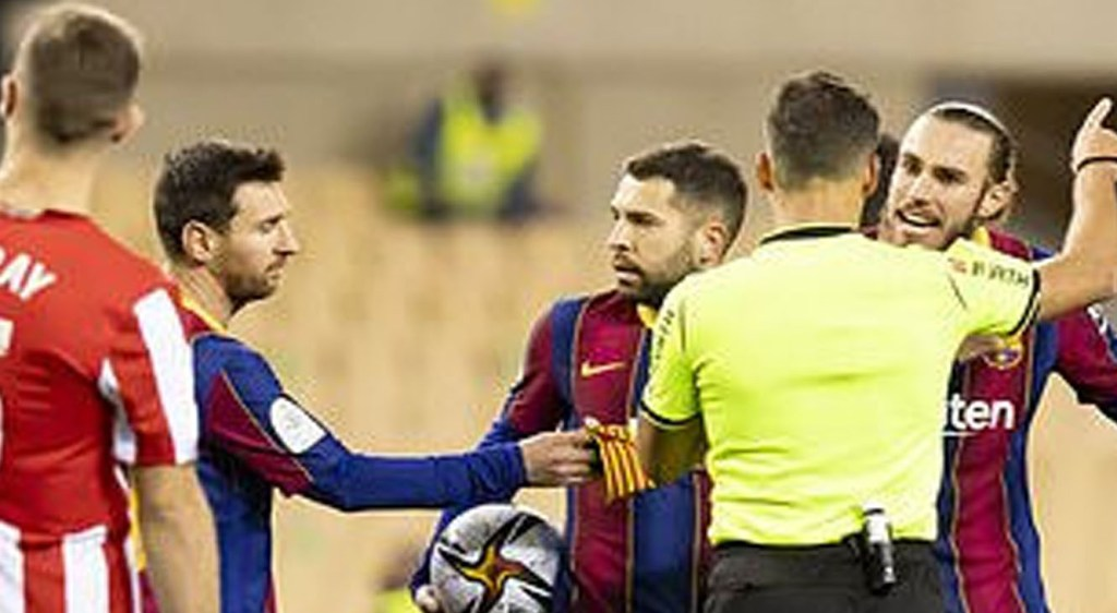 Lionel-Messi-got-the-first-red-card-of-Barcelona-career-after-punching-opponent-as-Athletic-Bilbao-beat-Barca-3-2-to-win-Super-Cup-final