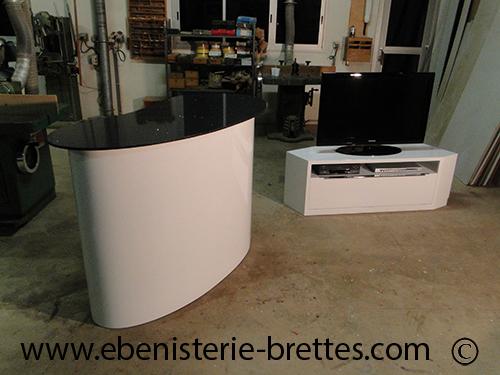 meuble bar laque forme courbe