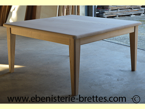 table bois carre bordeaux