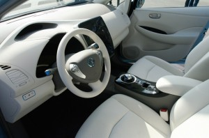 Nisaan Leaf 2011 interior