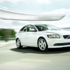 Volvo S40 Review 2011, Stylish Vehicle