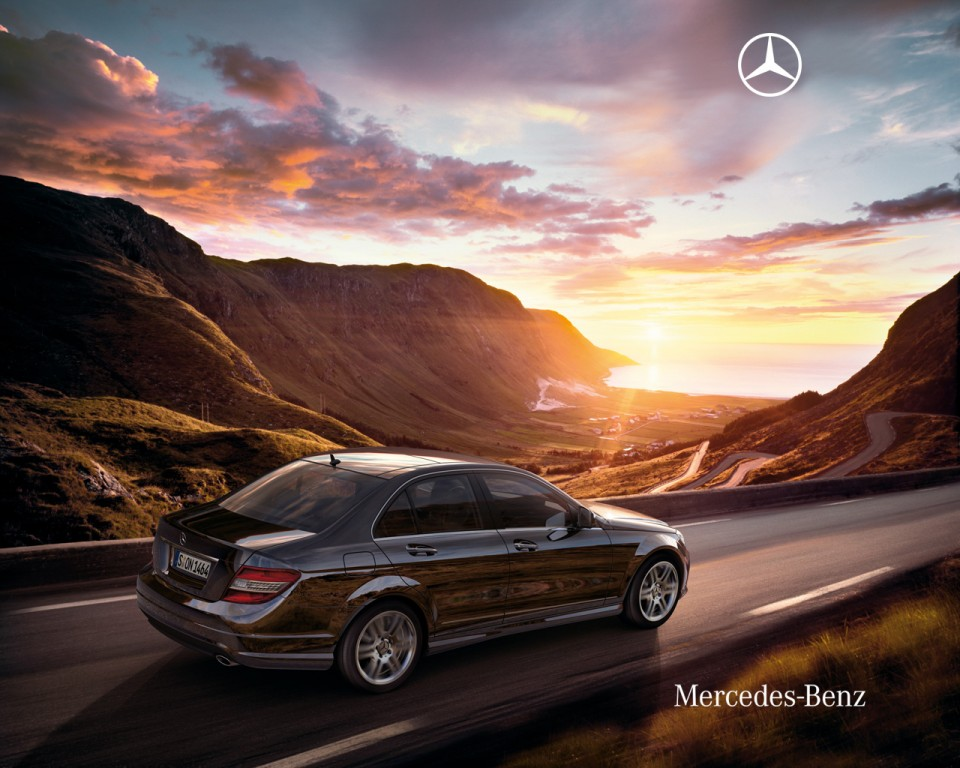 Mercedes benz c class review 2011 pictures prices and for Mercedes benz 2011 c300 price