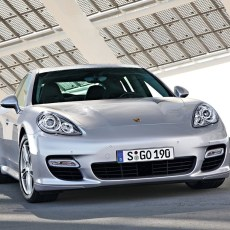 Porsche Panamera Review, Fast and Classy Executive Car
