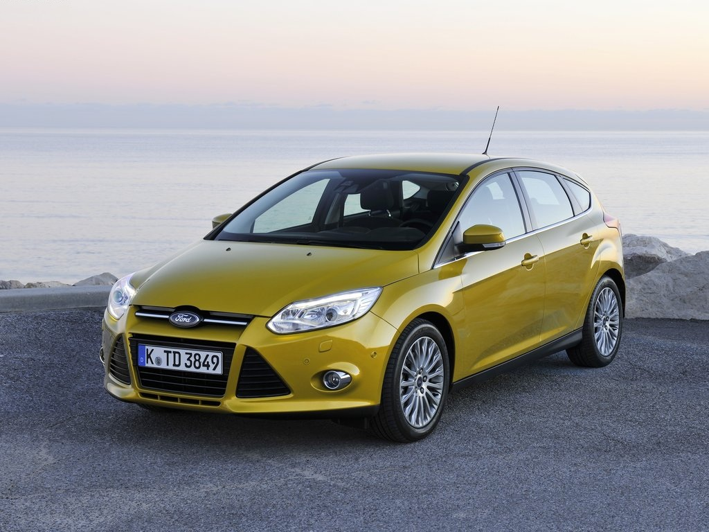 ford focus review 2013 never miss one ebest cars. Black Bedroom Furniture Sets. Home Design Ideas