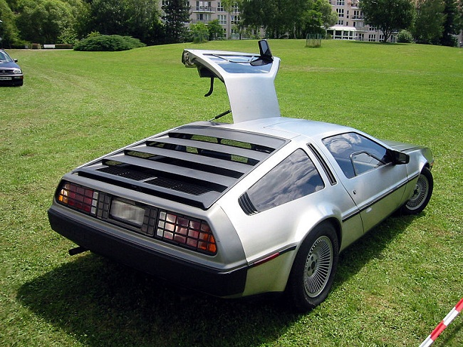 back to the future car DMC DeLorean DMC12