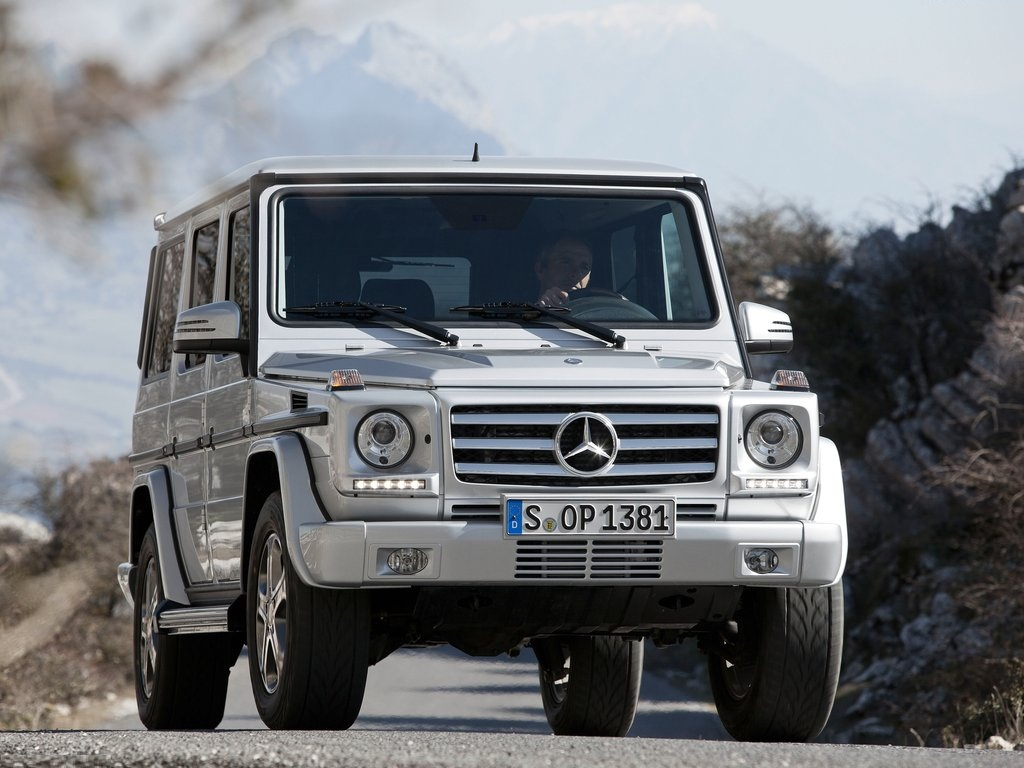 mercedes benz g class review off road suv. Black Bedroom Furniture Sets. Home Design Ideas