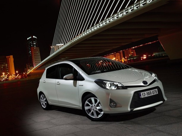 Toyota Yaris hybrid T3