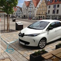 Renault: We're Still Giving Away Free Wall Chargers With New ZOE EVs