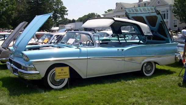 1958 Ford Fairlane 500 Skyliner