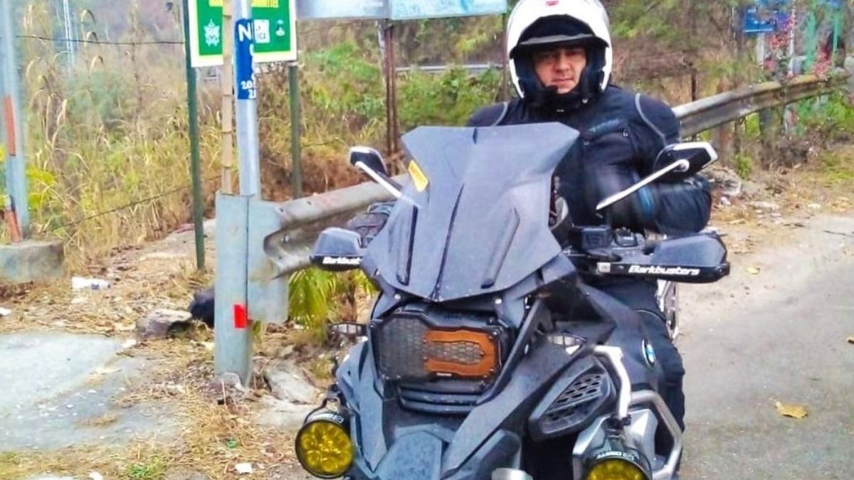 थाला अजित कुमार की बाइक से सिक्किम की यात्रा - अनदेखी तस्वीर हुई वायरल - तमिल समाचार