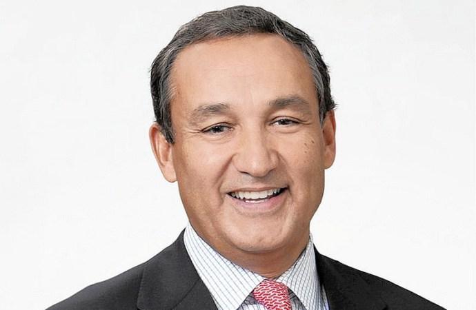 El expresidente y CEO de United Airlines, Oscar Muñoz, retorna a la empresa
