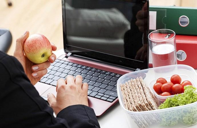 10 consejos para tener una alimentación sana en el trabajo