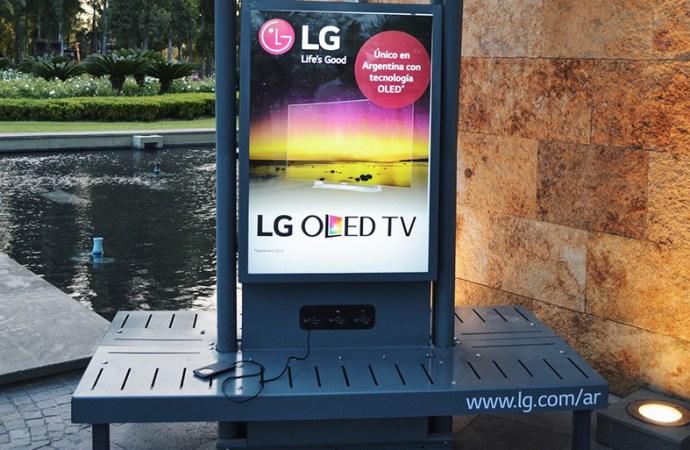 LG Electronics presenta su primera estación solar de carga USB