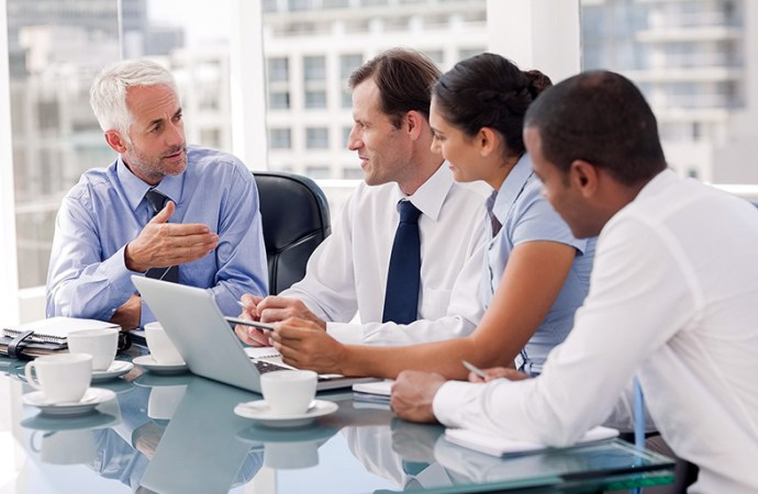 ¿Cómo pueden los negocios ayudar a reducir el déficit de habilidades digitales?