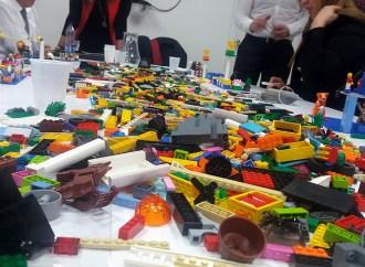 Tecnocom utiliza el Lego para enseñar la transformación digital a los principales directivos colombianos