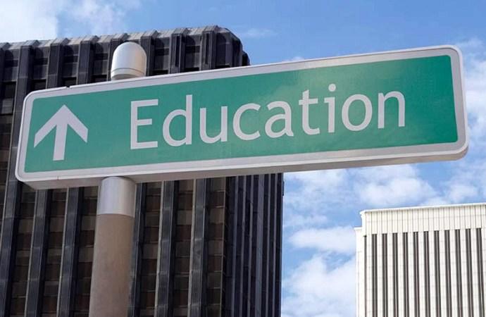 FedEx celebra su compromiso con la educación a través de esfuerzos locales